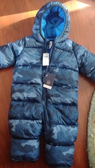 NWT The gap Baby 3-6 month blue camo snowsuit
